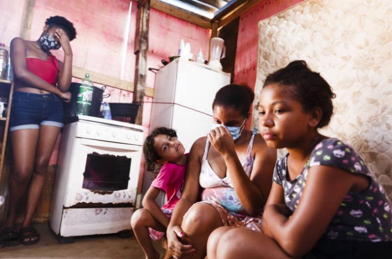 Folha de S. Paulo – Avanço da fome e da desigualdade revela urgência da noção de coletivo